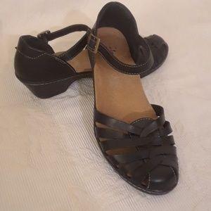 Clarks Black Leather Ankle Strap Sandals - 7 1/2 M